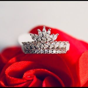 Jewelry - Silver 925 crown ring